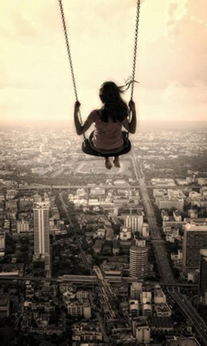 Fear-swinging-above-city1